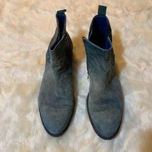 Sundance boots size 41 aqua green color snake
